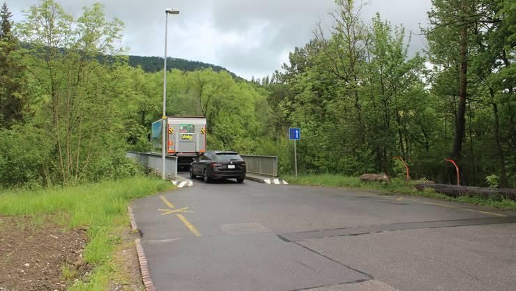 Die beiden Brücken zwischen Auenstein und Rupperswil führen über die Aare und den Unterwasserkanal. Sie sind nur einspurig befahrbar. Nadja Rohner