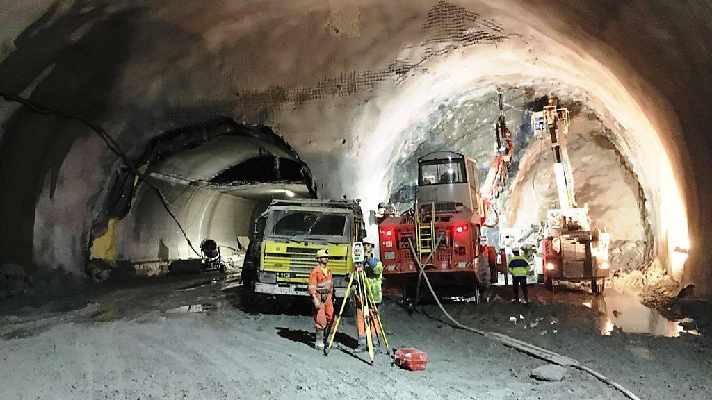 Die Tunnelkaverne mit der Verzweigung, bei der am Donnerstag der Durchschlag gefeiert werden konnte.