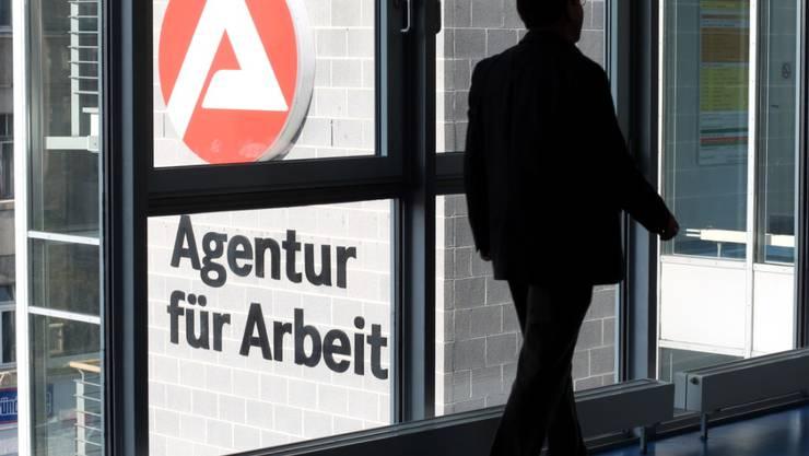 Die Zahl der Arbeitslosen in Deutschland ist im Mai wieder leicht angestiegen. (Archivbild)