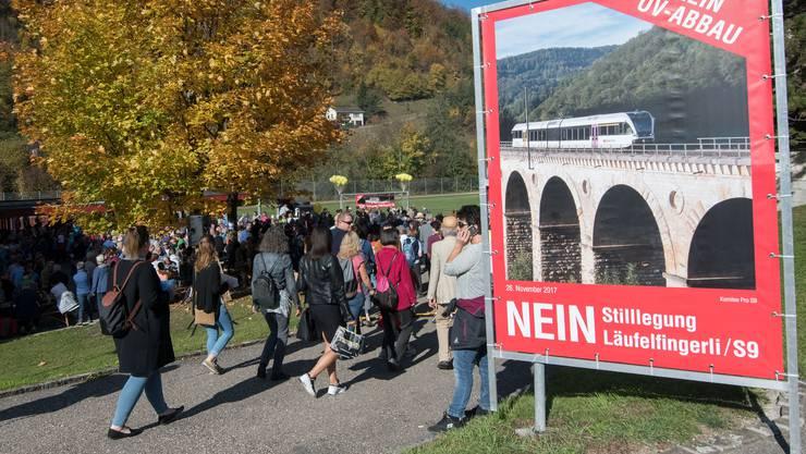 Läufelfingerli-Befürworter auf dem Weg zur Landsgemeinde.