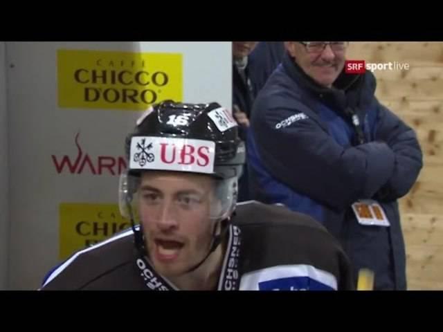 Das passiert bei einer Schwalbe im Eishockey: Man muss dem Gegner Red und Antwort stehen und wird von ihm mit freundlichen Worten bedacht.
