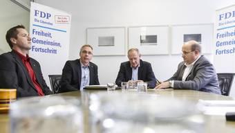 Die beiden BDP-Kantonsräte Martin Flury (l.) und Markus Dietschi (2.v.l.) wollen zur FDP wechseln, wo sie von Kantonalparteipräsident Stefan Nünlist und Fraktionschef Peter Hodel (r.) noch so gerne aufgenommen werden.