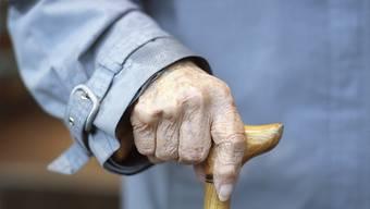 In der Schweiz lebten 2018 knapp 1600 Frauen und Männer, die 100-jährig und älter waren. (Symbolbild)