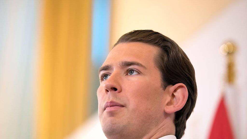 """Die """"Ibiza-Affäre"""" kostet nun auch ihn das Amt: Das österreichische Parlament hat Bundeskanzler Sebastian Kurz das Vertrauen entzogen. Es wird Neuwahlen geben."""