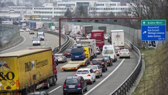 Stau auf A1 beim Baregg-Tunnel – das kommt in den letzten Jahren immer häufiger vor.