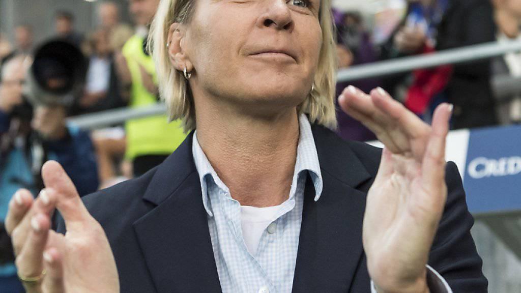 Martina Voss-Tecklenburg und ihre Mannschaft feierten ihren ersten internationalen Turniersieg