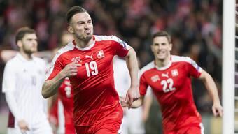Der Siegtorschütze gegen Lettland: Josip Drmic (vorne).