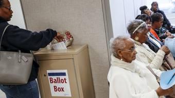 USA Wahl Midterms schwarze Wählerin