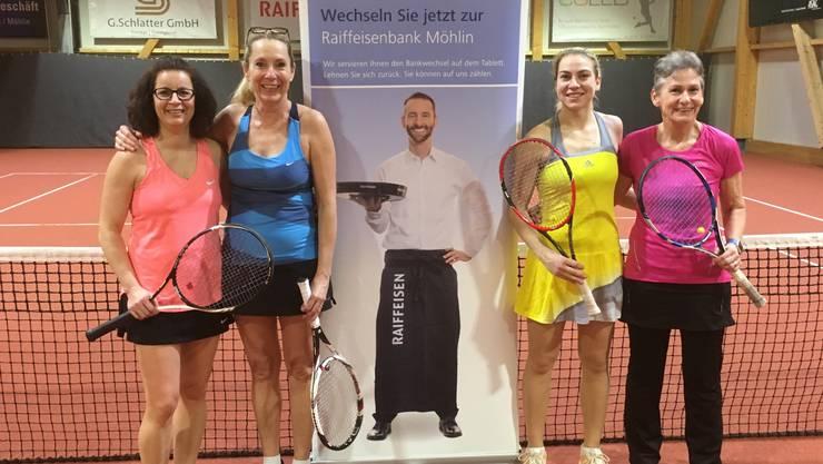 Der Damenfinal wurde gewonnen von Voigt/Jordi gegen Behlinger/Glaser (von rechts nach links)