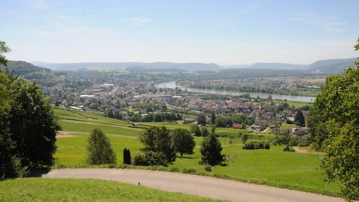 Einmalig: Die Aussicht vom Klingnauer Aussichtspunkt Hönger – an manchen Tagen reicht sie bis zu den Alpen.