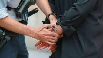 Festnahme eines Verdächtigen (Symolbild)