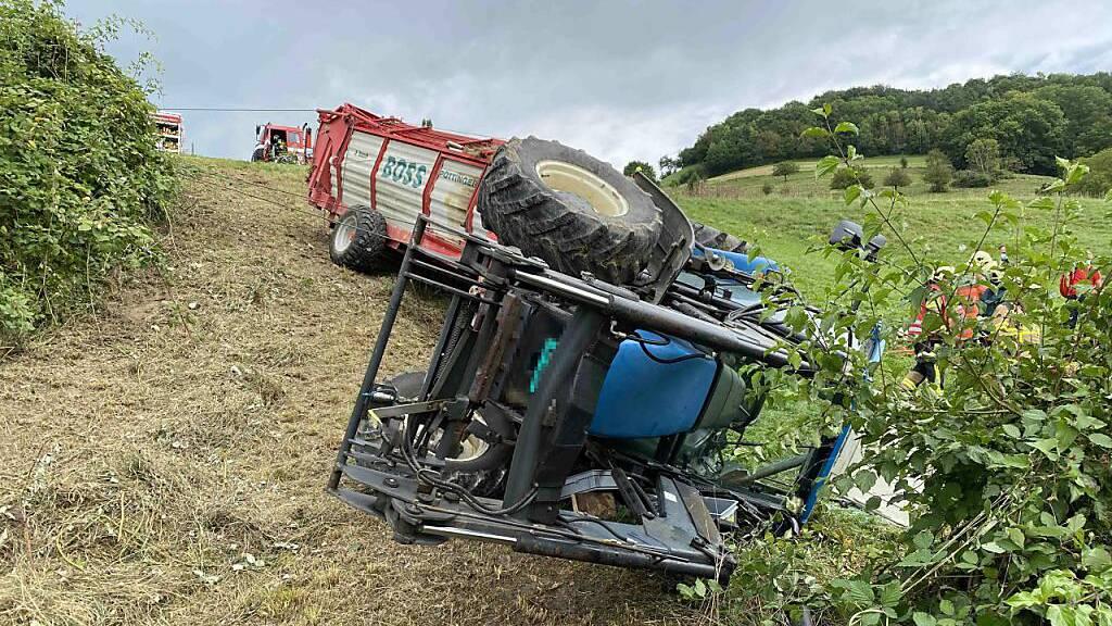 Bei dem Traktorunfall in Laufenburg ist ein zweijähriges Kind mittelschwer verletzt worden.