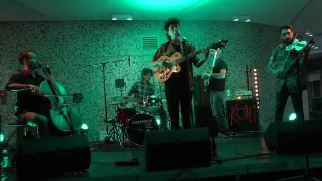 Rasha Nahas kombinierten in der Cordulapassage E-Gitarre mit Cello und Violine