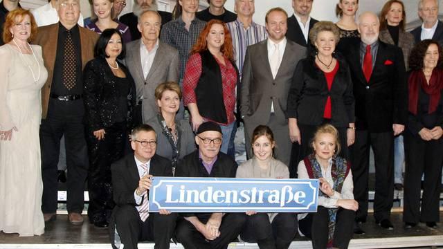 """Aktuelle und ehemalige Schauspieler der beliebten Serie """"Lindenstrasse"""" (Archiv)"""