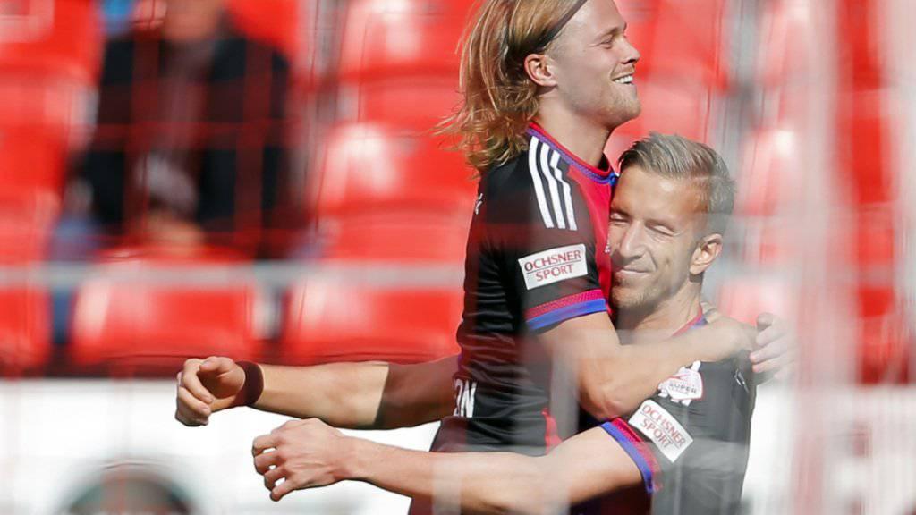 Auch in Thun gefeierter Basler Spieler: Doppel-Torschütze Marc Janko (rechts)