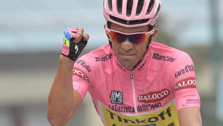Alberto Contador ballt die Faust: Der Spanier hat zum zweiten Mal nach 2008 den Giro d'Italia gewonnen