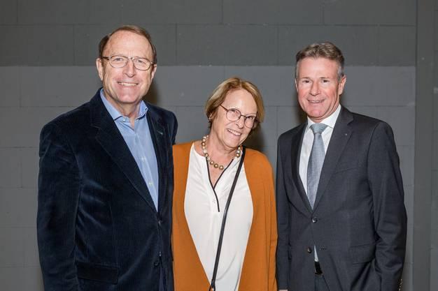 Im Bild v.l.: Alt Regierungsrat Peter C. Beyeler mit seiner Frau Eva und NAB-VRPeter Bühlmann.