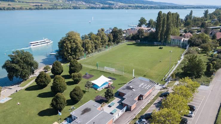Ein Bijou im Schweizer Fussball: Der Platz des Drittligisten FC Beinwil am See ist rundum modernisiert worden.