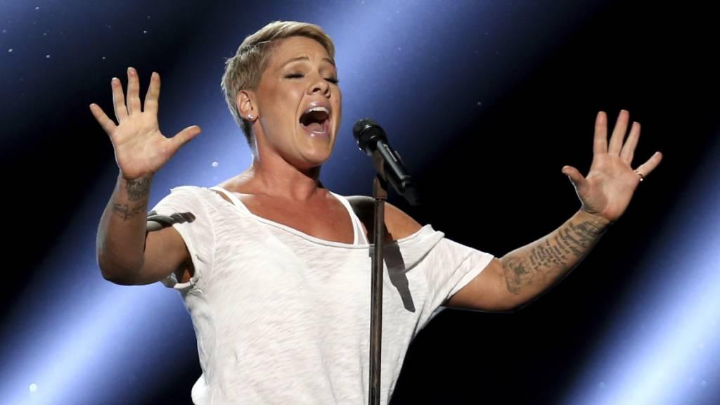 Sängerin Pink mit Coronavirus infiziert - Millionenspende für Tests