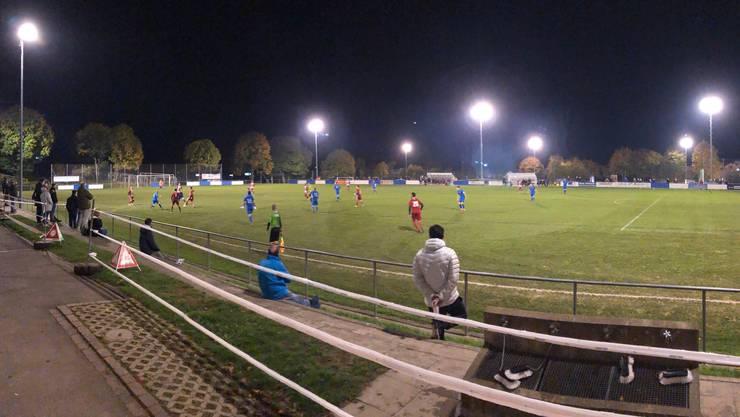 Beim FC Fislisbach werden die Abstände vorbildlich eingehalten. Zudem gibt es Armbänder für die Zuschauer, welche das Restaurant betreten.