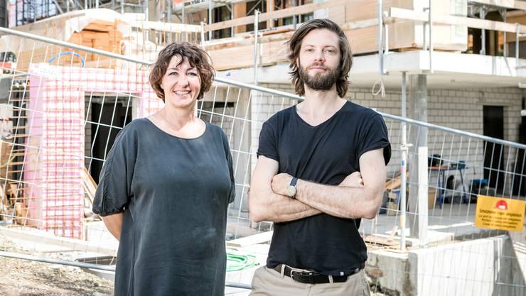 Nach drei Jahren soll das Bergrestaurant Hochwacht auf der Lägern Ende Jahr endlich wieder eröffnen. Projektleiterin Franziska Arnold und Architekt Johannes Leibundgut führen über die Baustelle.