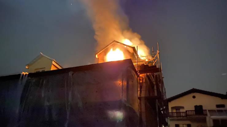 Der Brand im Dachstock verursachte grossen Schaden.