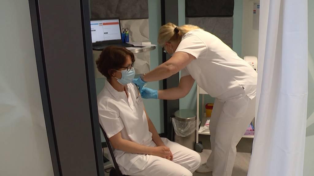 Arbeitslose finden in Impfzentren Beschäftigung