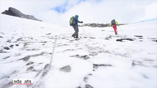 """Glaziologe: """"Wir haben vier Meter Schnee verloren"""""""