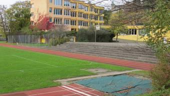Der Erweiterungsbau der Schulanlage Allmend wird zusammen mit dem neuen Schulhaus Lanzrain im Herbst eingeweiht.