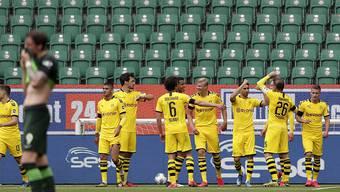 Dortmund feiert das 1:0 von Raphaël Guerreiro