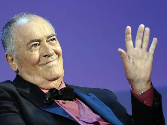 Er drehte mit Marlon Brando den Skandalfilm «The Last Tango in Paris» und gewann für «The Last Emperor» neun Oscars. Der italienische Meisterregisseur Bernardo Bertolucci ist 77-jährig verstorben. Er litt an Krebs.