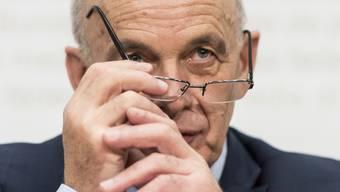 Bundesrat Ueli Maurer hält am Zeitplan fest und will die Steuervorlage 17 in der Herbstsession abschliessen. (Archiv)