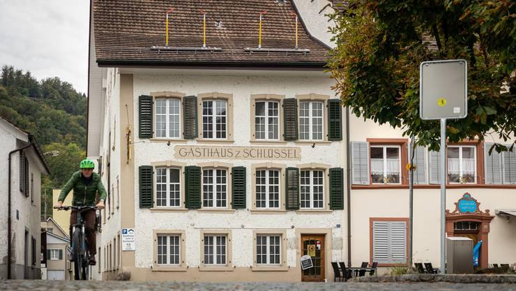 2018 brannte der «Schlüssel» in Bad Zurzach. Bald wird aus dem Gasthaus ein Wohnhaus.