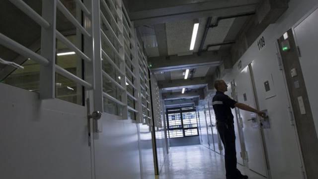 Geständiger Täter befindet sich im Gefängnis Champ-Dollon (Archiv)