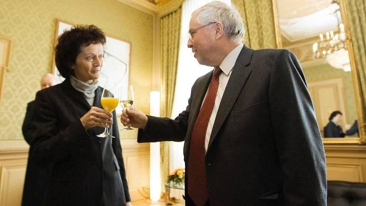 Der abgewählte Bundesrat Christoph Blocher empfängt am 28. Dezember 2007 seine Nachfolgerin Eveline Widmer-Schlumpf in Bern.