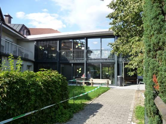 Gartenpavillon über zwei Etagen