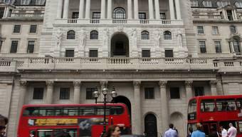 Die britische Notenbank senkt erstmals nach sieben Jahren den Leitzins.  (Archiv)