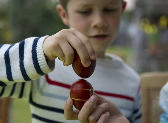 Beim Eiertütschen kommts auf die Technik an