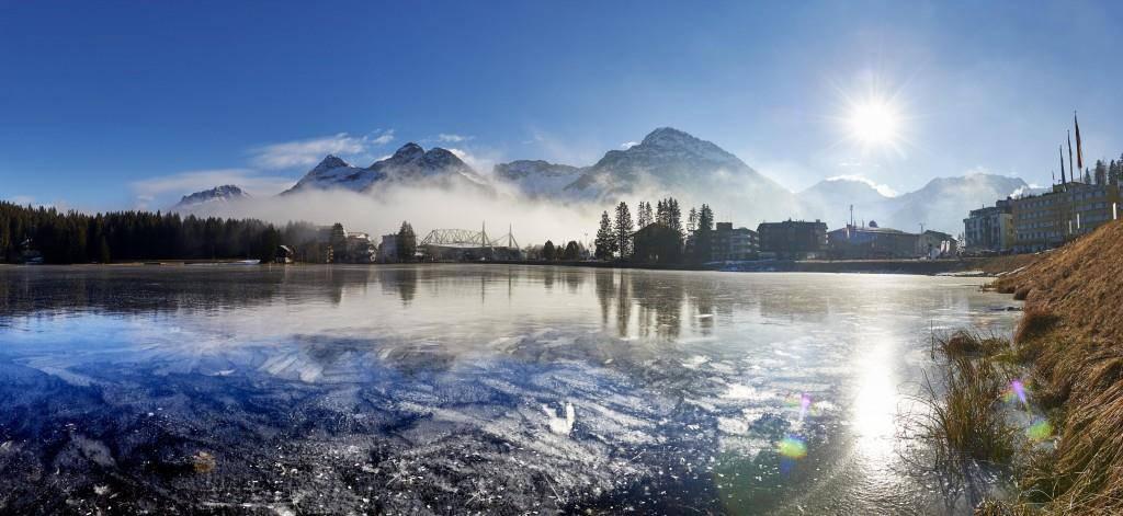 Der Obersee in Arosa ist mit den Schlittschuhen seit gestern befahrbar (© Arosa Tourismus/Nina Mattli)