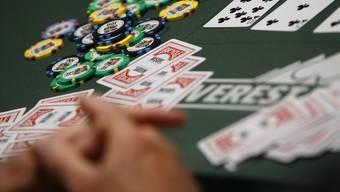 Poker-Turniere werden vielleicht auch ausserhalb von Casinos erlaubt (Symbolbild)