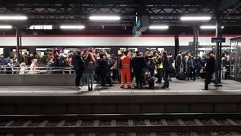 Fahrleitungsstörung zwischen Zürich HB und Baden (01.11.18)