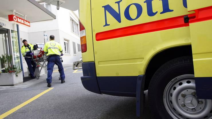 Der Verunfallte musste mit der Ambulanz ins Spital gebracht werden