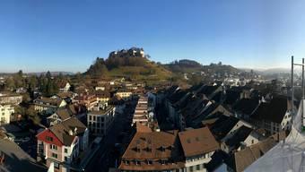 Blick vom Turm der reformierten Kirche auf die Altstadt.