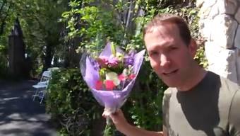 Greg Benson macht die Probe aufs Exempel und besucht Facebook-Freunde, die er in der realen Welt gar nicht kennt.