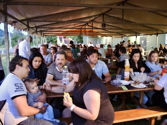 600 Hauptmahlzeiten gingen über die Theke, plus rund 200-mal Getränke und Desserts.