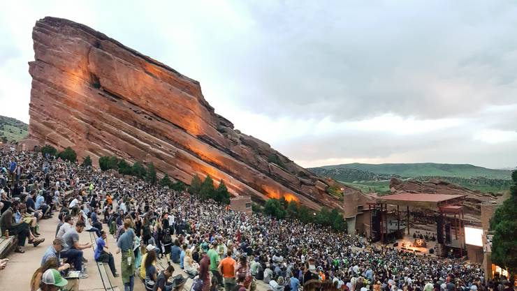 Einmalige Kulisse: Das Red Rocks Amphitheatre ausserhalb von Denver stellt als Konzertlocation so ziemlich alles andere in den Schatten.
