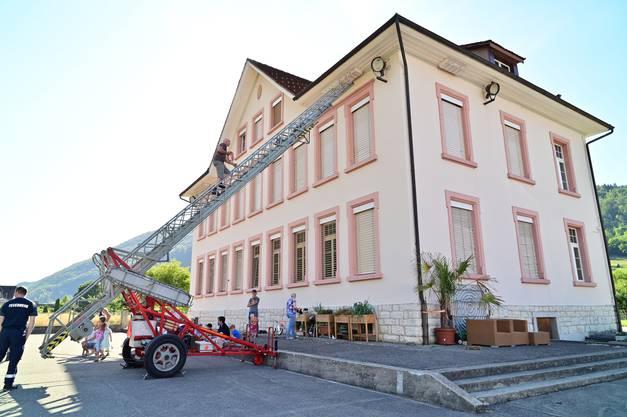 30 Nistkästen befinden sich am Schulhaus in Herbetswil.