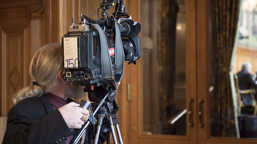 Im Ständerat war die Initiative zur Abschaffung der Radio- und TV-Gebühren chancenlos. Das Begehren, das auf die SRG-Medien zielt, wurde ohne Abstimmung abgelehnt.