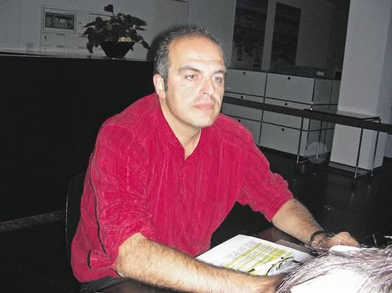 Über 6 Millionen Franken Rentenkapital hat ein Berater des gewerkschaftlich organisierten Patronato Inca von Konten italienischer Rentner in der Schweiz abgezweigt. Seit Frühjahr organisisert der Wettinger Marco Tommasini den Kampf der Renter um ihr Geld. Ein schwerer Kampf, denn vor allem Politiker und Gewerkschafter zeigen gegenüber den Geschädigten sehr wenig Solidarität. (dm)