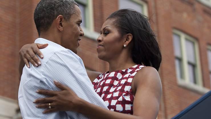 Der ehemalige US-Präsident Barack Obama und seine Frau Michelle geniessen ihre Freizeit. (Archiv)